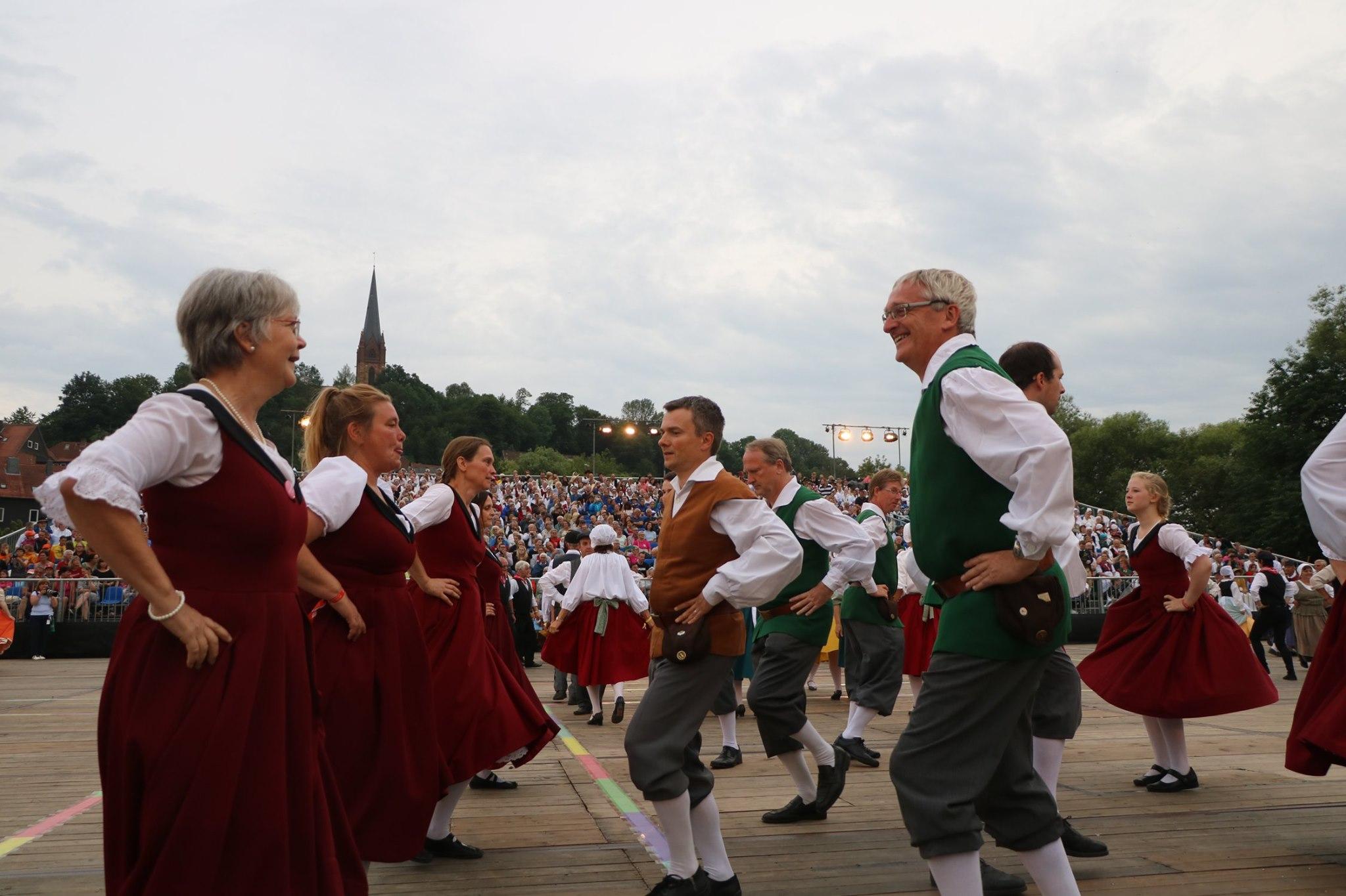 Foto dansers groot optreden Duitsland