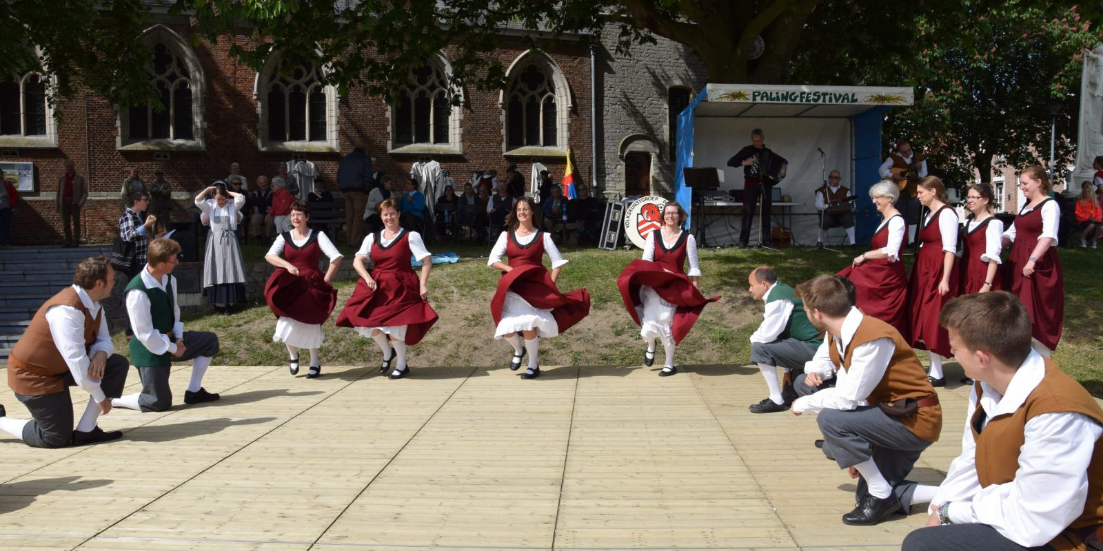 Foto dansers optreden Mariakerke